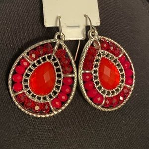 ⚡️Red bead/gem and silver tone earrings